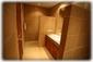 Guest bedroom 2 en-suite bathroom