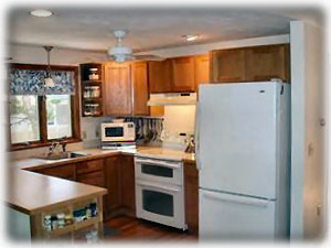 Harwichport house rental - Kitchen