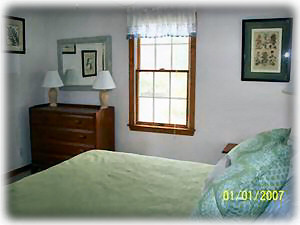 Harwichport house rental - Queen Bedroom