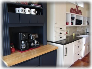 Coffee bar with espresso maker - coffee provided, but bring your favorite beans