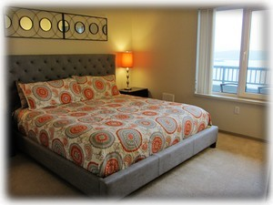 Comfortable king sized bed - relax and gaze Seattle water front view
