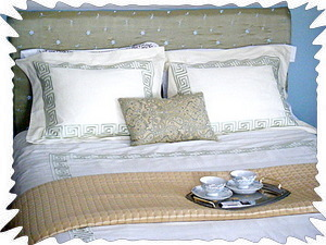 Sage bedroom - queen bed