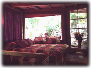 Master bedroom....wake up to Forest nature view