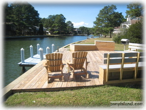Private Boat Dock and Outdoor living area Great Crabbing
