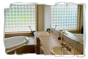 Extra large master bedroom bathtub private Sunriver vacation rental.